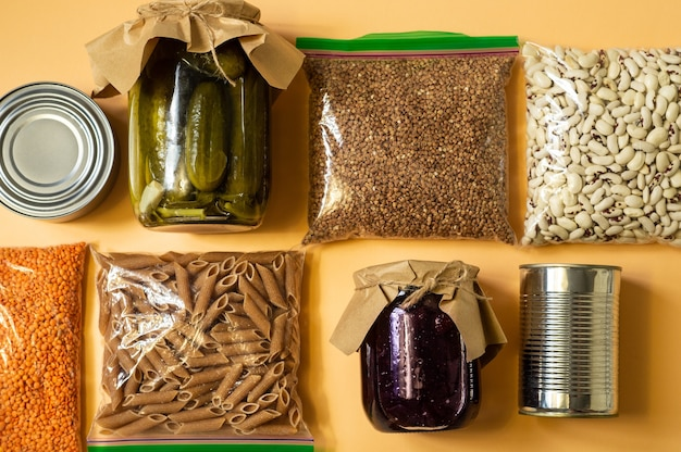 Scorte alimentari di emergenza per la quarantena