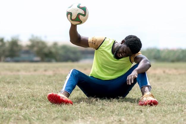 Giocatore di football in pausa