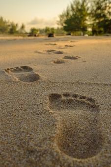 Impronte sulla spiaggia