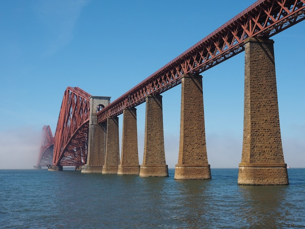 Forth bridge sul firth of forth a edimburgo