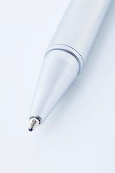 Penna stilografica su carta