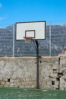 Frammento di corte urbana sportiva