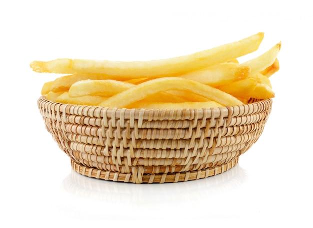 Patatine fritte su un bianco