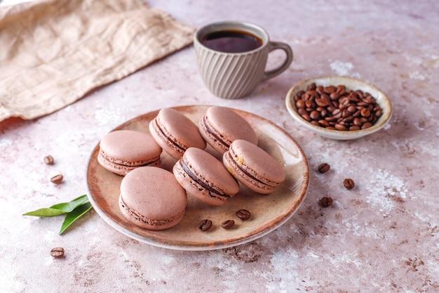 Amaretti francesi con chicchi di caffè.