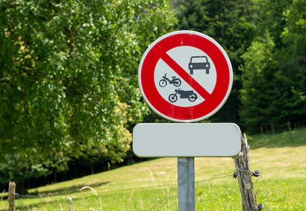 Divieto di segno francese per tutti i veicoli