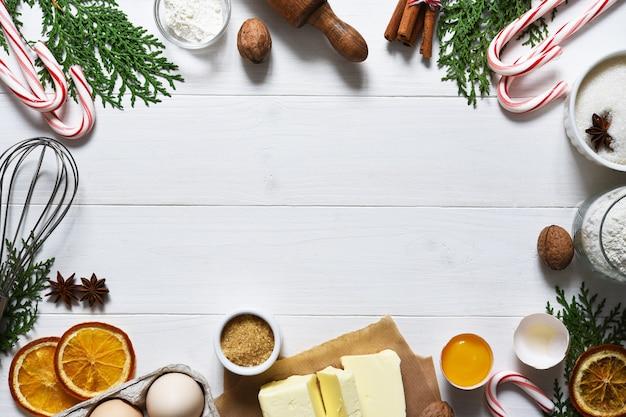 Ingredienti freschi di cottura per i biscotti di natale