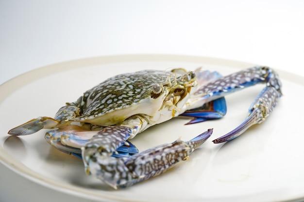 Granchio fresco: ingrediente di deliziosi frutti di mare per cucinare.