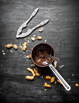 Burro al cioccolato fresco.