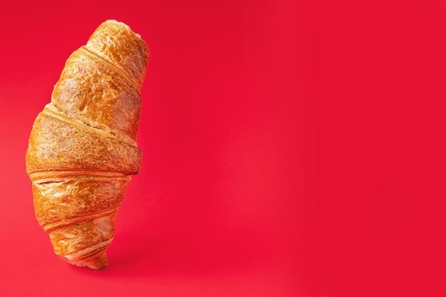 Croissant fresco, panino dolce da forno dolce spuntino