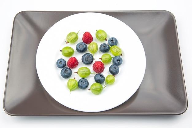 Frutti di bosco diversi freschi