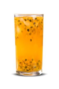 Bevanda fresca a base di caipirinha al frutto della passione