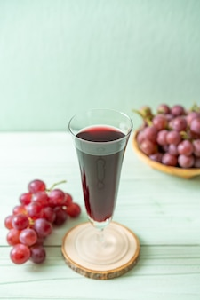 Succo d'uva fresco