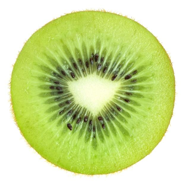 Kiwi fresco affettato su bianco