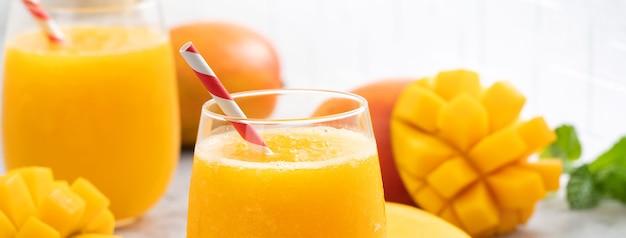 Succo di mango fresco