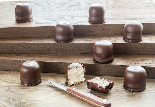Marshmallow freschi ricoperti di cioccolato