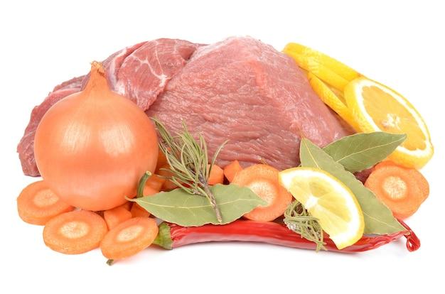 Carni fresche con pasta e condimenti