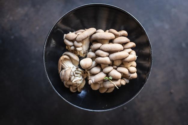 Ostrica fresca funghi funghi crudi pasto spuntino dieta vegana o vegetariana