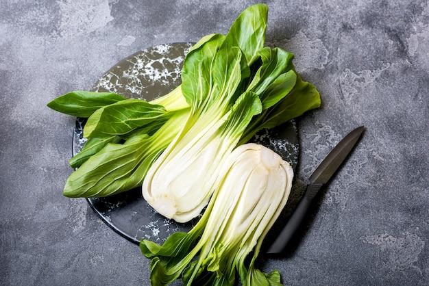 Pak choi fresco, cavolo cinese per cottura asiatica