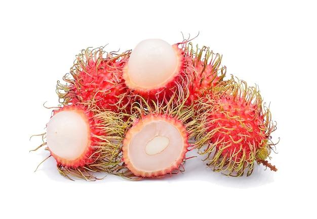 Rambutan fresco isolato