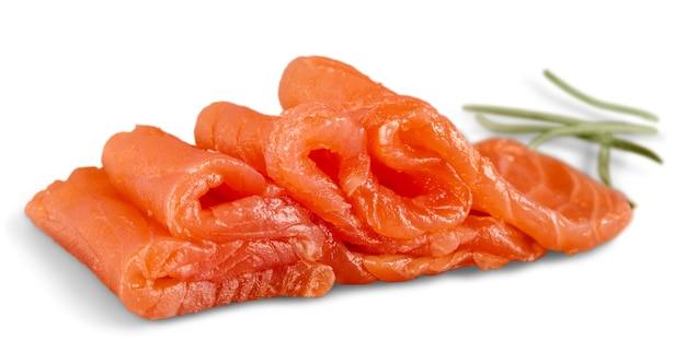 Salmone crudo fresco su sfondo