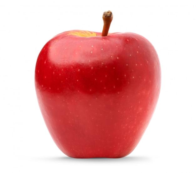 Mela rossa fresca isolata su superficie bianca