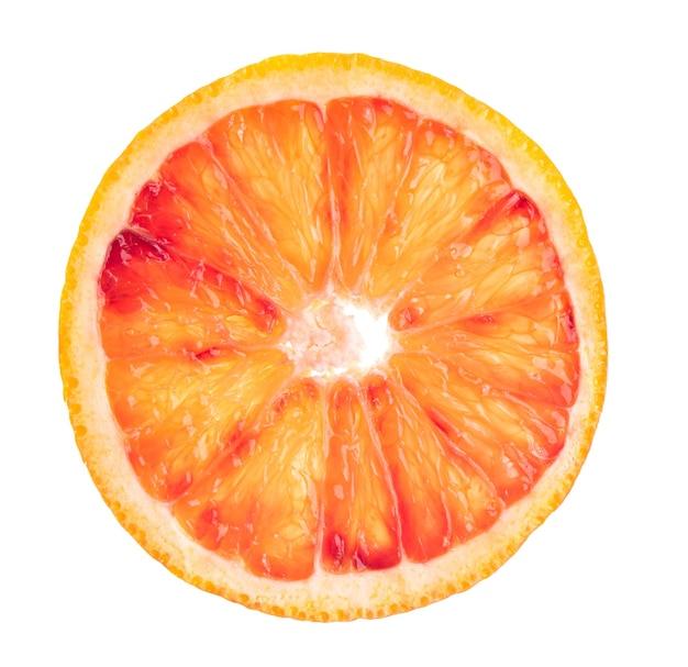 Manifesto degli agrumi dell'arancia rossa affettata fresca su priorità bassa bianca. vista dall'alto e macro. foto di concetto