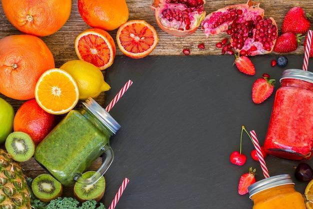 Bevanda frullata fresca con ingredienti
