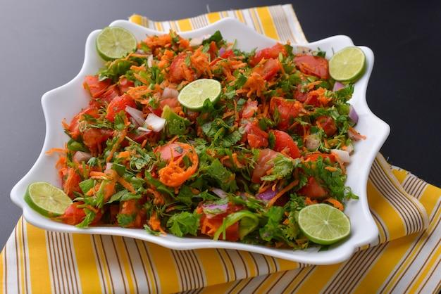 Insalata di verdure fresche