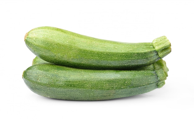 Zucchini della verdura fresca isolato su bianco
