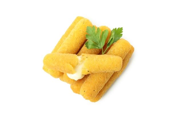 Bastoncini di formaggio fritti isolati su sfondo bianco
