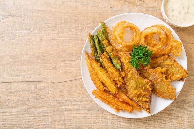 Verdure miste fritte (cipolle, carote, mais, zucca) o tempura - stile vegetariano