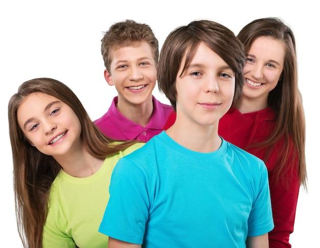 Concetto di scolari amichevoli - isolato su bianco