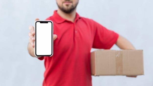 Vista frontale del concetto di uomo di consegna con copia spazio