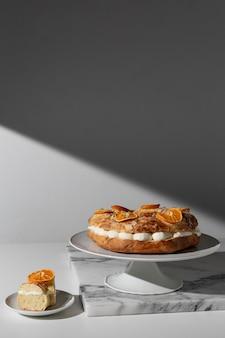 Vista frontale del dessert del giorno dell'epifania