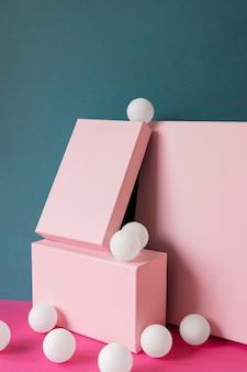 Vista frontale di un sacco di palline da ping pong