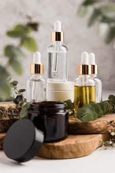 Vista frontale del concetto di cosmetici naturali