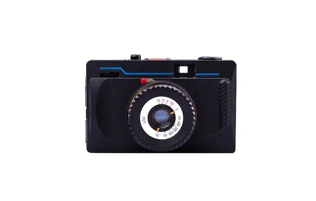 Vista frontale della vecchia macchina fotografica alla moda. fotocamera a pellicola 35mm vintage isolata su bianco.
