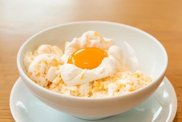 Gelato di uova surgelate. a design of ice-crem intitolato
