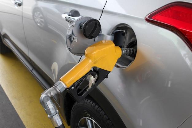 Auto di rifornimento della pompa di alimentazione del carburante