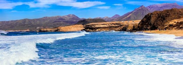 Isola di fuerteventura la spiaggia di la pared, luogo popolare per il surf nelle isole canarie