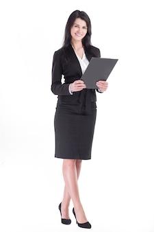 In piena crescita. donna esecutiva di affari con la lavagna per appunti.