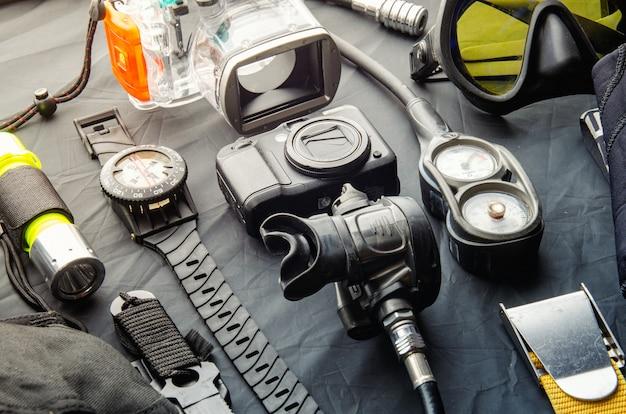 Set completo di attrezzatura subacquea. attrezzatura subacquea e accessori.