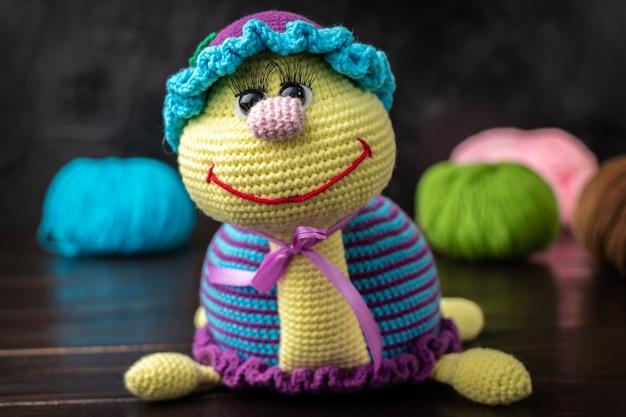 Divertente giocattolo a maglia fatto a mano amigurumi