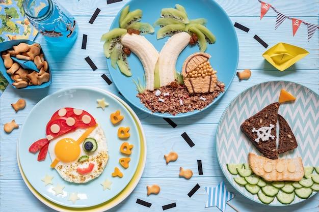 Divertente simpatica colazione pirata per i ragazzi dei bambini