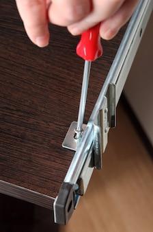 Montaggio su mobile montaggio binari di scorrimento montaggio cassetto scorrevole staffa di montaggio posteriore vite di fissaggio.