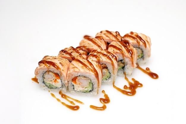 Fusion set sushi isolato