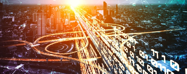 Tecnologia di trasporto su strada futuristica con grafica di trasferimento dati digitale