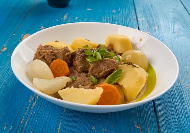 Gajnatma - zuppa turkmena di agnello con verdure