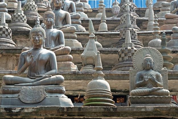 Architettura del tempio buddista di gangaramaya