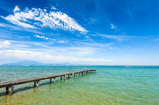 Lago di garda, desenzano, italia